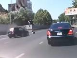 motocykl uderza w auto  z