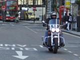 Motocykl na buspasie  z