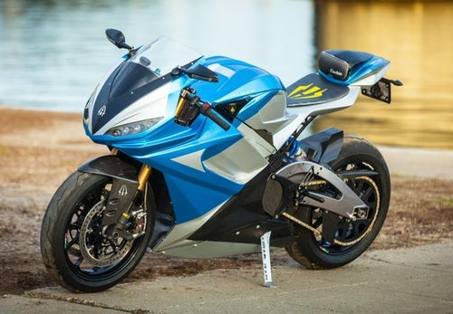 Lightning Motorcycles wypuszcza kolejny model: 240 KM i 35 minut ładowania