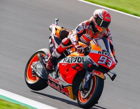 MotoGP: bracia Marquez wygrywają kwalifikacje na Silverstone