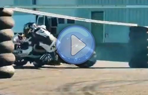 Trening na BMW S1000RR i bardzo głębokie złożenia [VIDEO]