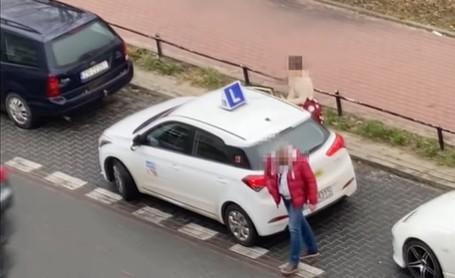 Kolizja podczas egzaminu na prawo jazdy. Egzaminator… uciekł [FILM]