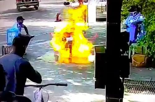 Wybuchowa dezynfekcja motocykla [VIDEO]