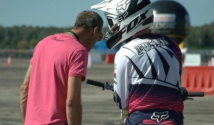 8 pytań, które każdy motocyklista słyszał już setki razy