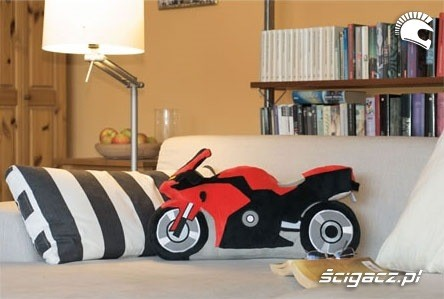 Prezenty dla motocyklisty - zapach choinki i palonej gumy