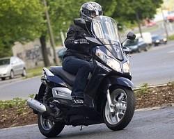 Sym Citycom 300i - po prostu duży skuter