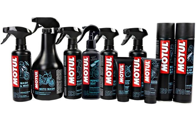 Chemia czyszcząca Motul - sprawdzony sposób na czysty motocykl i odzież