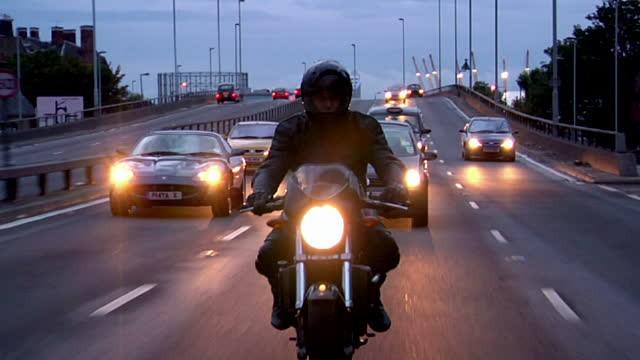 Niebezpieczny tempomat. Popularny system to śmiertelne zagrożenie dla motocyklistów