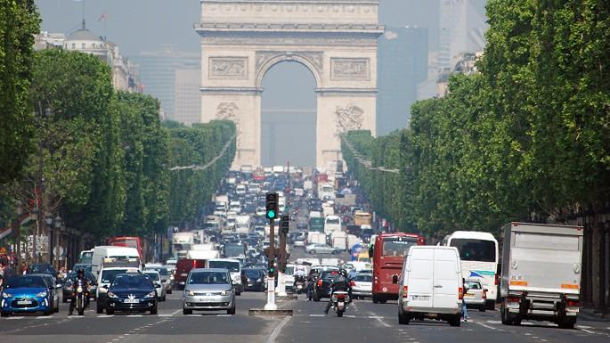 Jedziesz na wakacje do Francji? Pamiętaj o nowych limitach prędkości!
