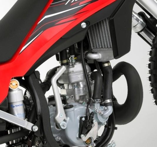 CR 65 silnik 2012