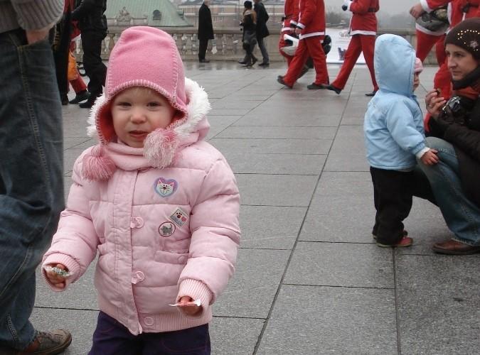 dziewczynka zadowolona motomikolajki.pl 2009 warszawa 5