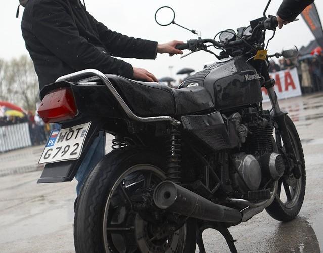 kawasaki uszkodzony silnik rozpoczecie sezonu 2008 a mg 0320