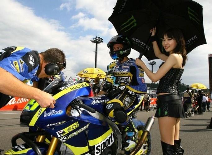 GP paddock girls motegi