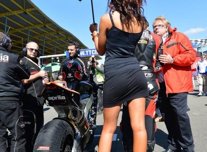 Aprilia od tylu World Superbike Assen