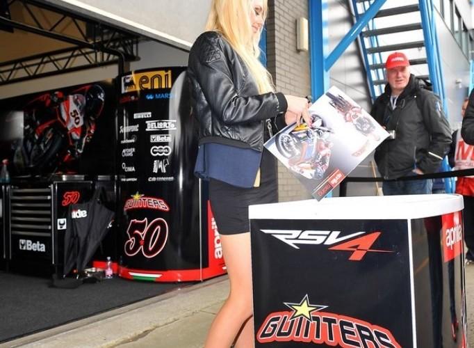 Box Aprilii World Superbike Assen