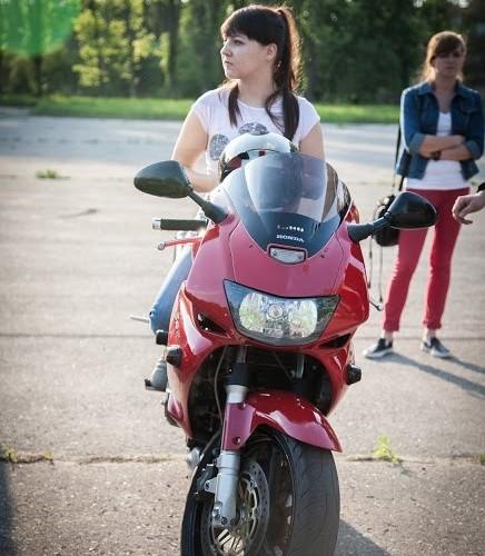 kobieta na moto