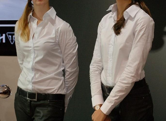 Dziewczyny na stoisku EICMA