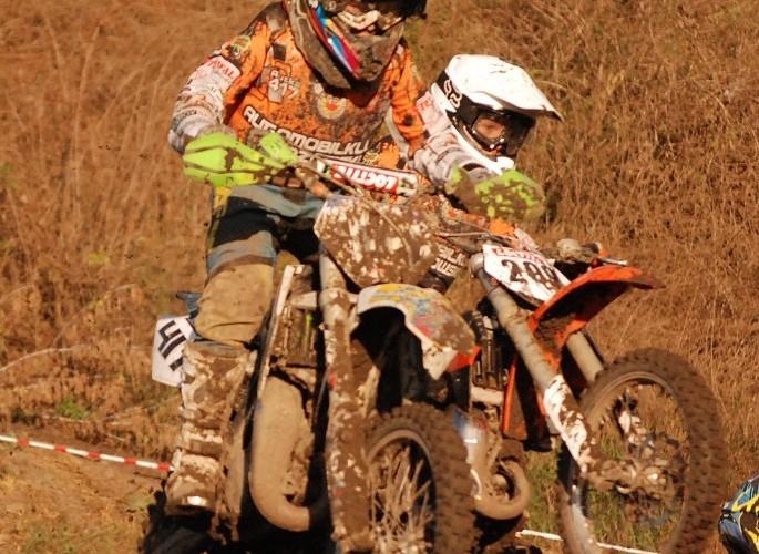 Dzieci w motocrossie zawody