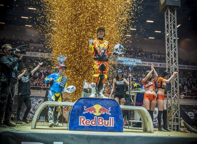 Libor Podmol na podium Diverse Night Of The Jumps