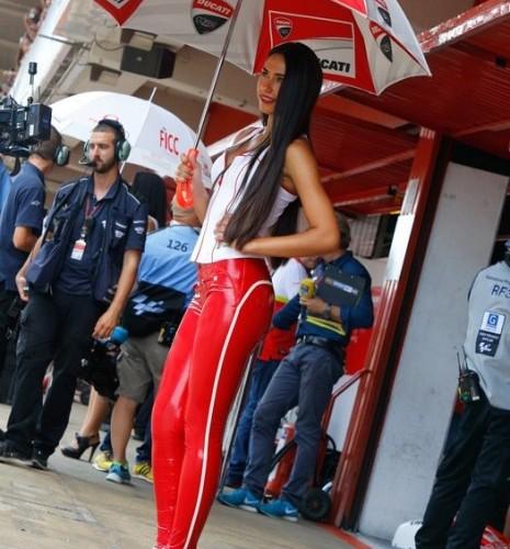 modelka Ducati MotoGP Catalunya 2014