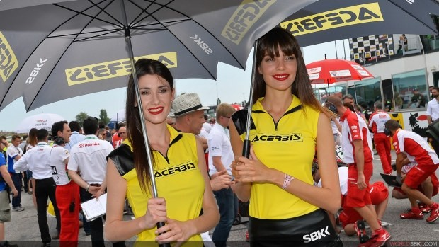 modelki z parasolami girls sbk misano 2014