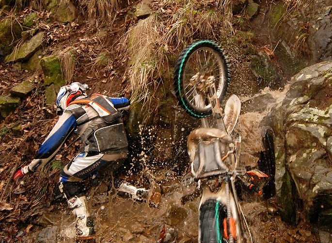 Alex Van den Broek crash