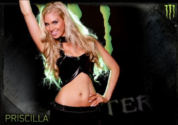 piekna blondynka monster girls