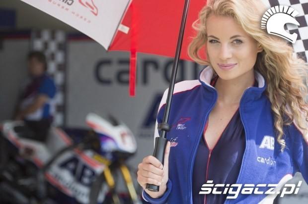 sliczna dziewczyna Paddock Girls MotoGP Brno