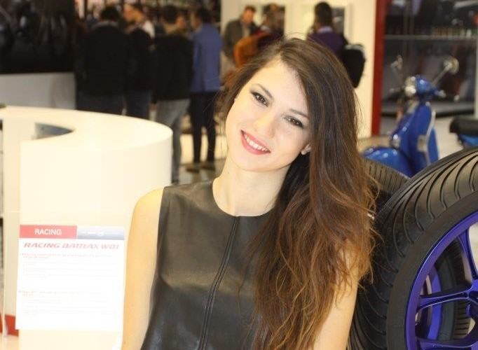 EICMA 2015 Milan hostessy BT
