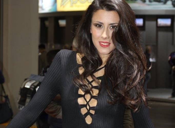 EICMA 2015 Milan hostessy brunetki