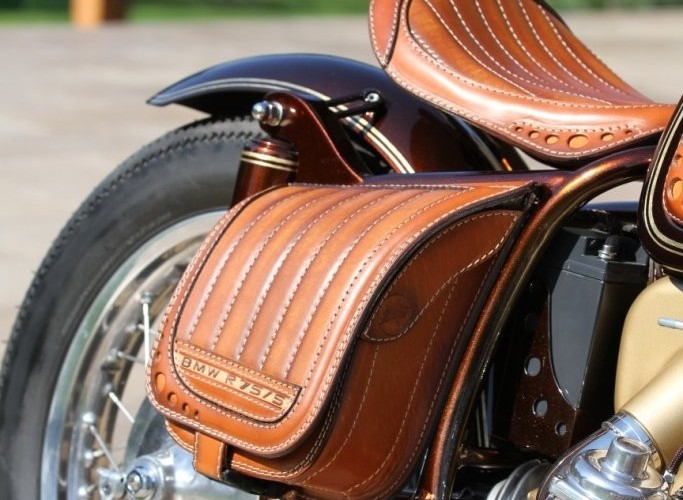 26 BMW R75 Brown Betty bagaz