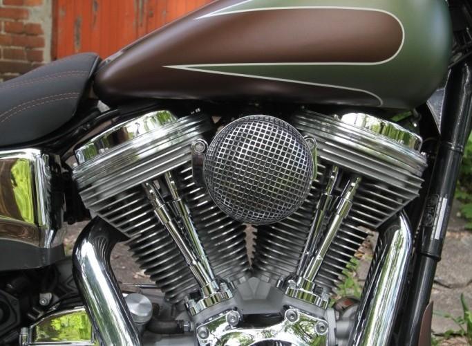 32 Harley Davidson Dyna Super Glide Custom 2004