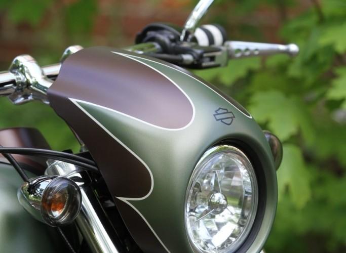 36 Harley Davidson Dyna Super Glide Custom lampa