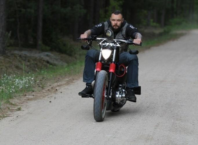 30 Custom Hell Ride Harley Davidson Sportster
