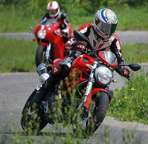 Ducati Monster w akcj