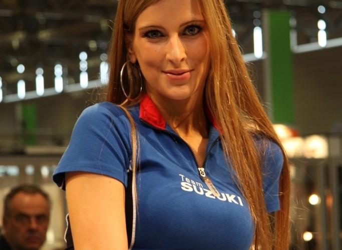 Suzuki dziewczyna targi
