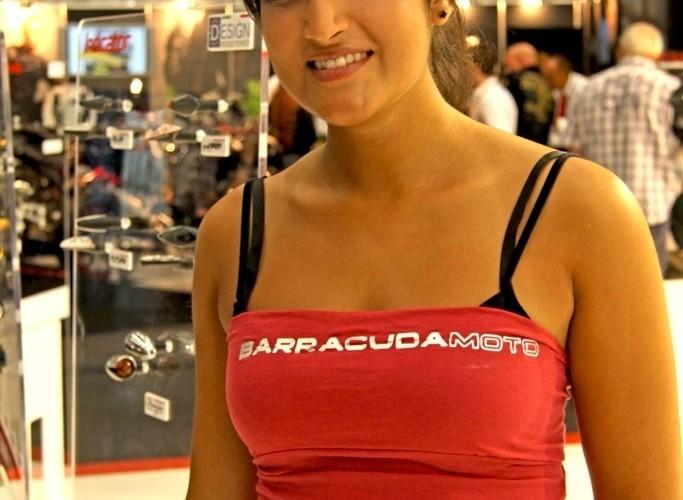 modelka barracuda dopasowany tshirt