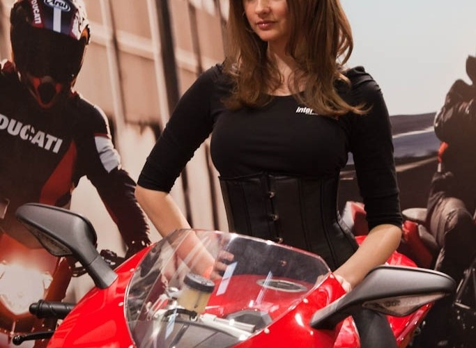 ducati 1198 hostessa Targi Motocyklowe Warszawa 2011 - III OWMiS