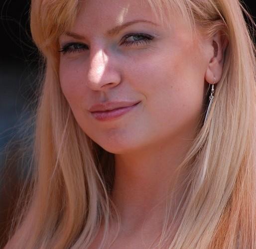 Dziewczyna blondynka paddock Brno