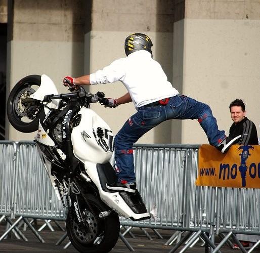 BuddyX Cologne stunt show