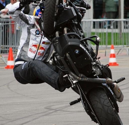Chris Pfeiffer stunt
