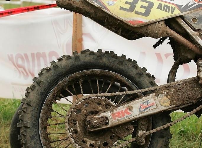 oblucki bartosz padniety motocykl mistrzostwa swiata 2010 puchov