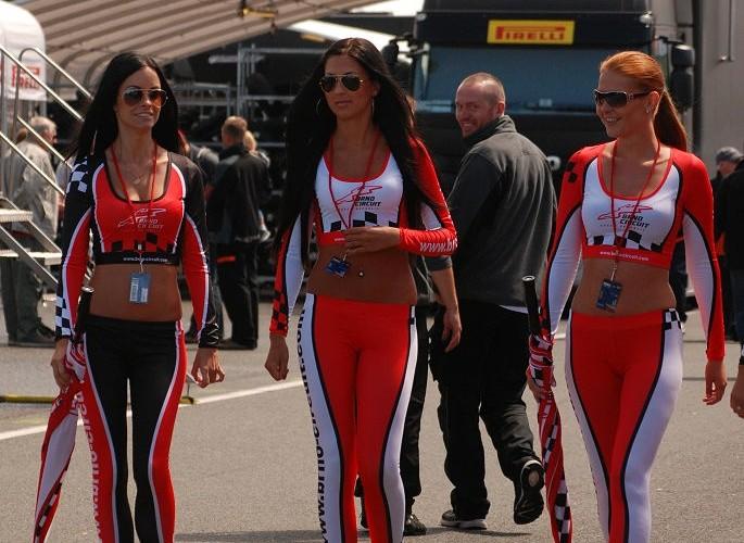 Brno hostessy paddock