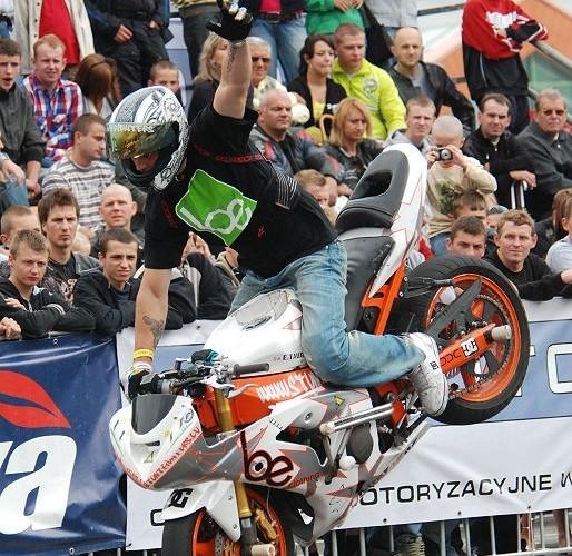Janis Rozitis stunt rider