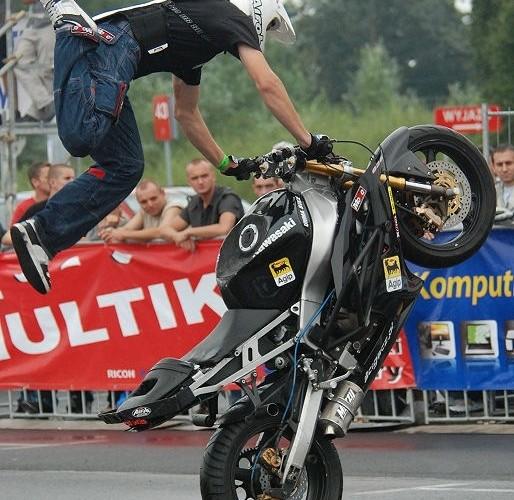 Lukasz FRS akrobacje na motocyklu