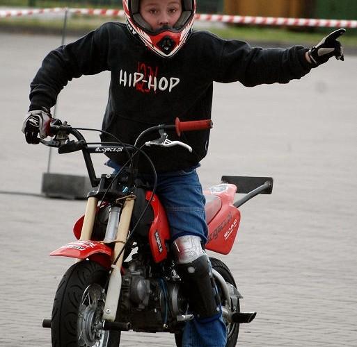 Dziecko na motocyklu Eryk