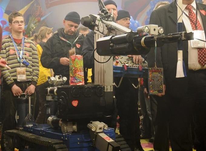 robot WOSP 18final Robert Grablewski  ROB0359