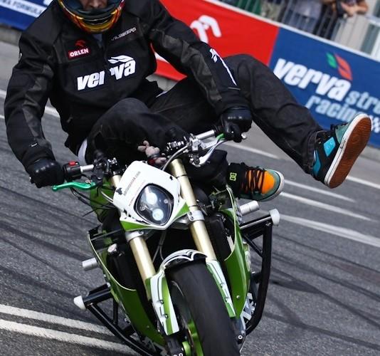 Drift na Wyscigi Uliczne Verva Street Racing