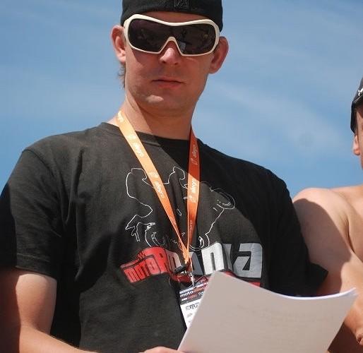 Coyot Kuba Skurski