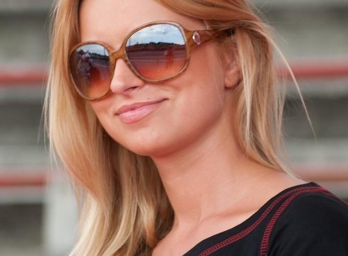 blondynka w okularach Honda Gymkhana Radom 2012